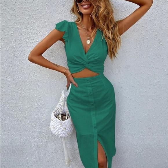 Shein 2 piece emerald green skirt & top set Size L